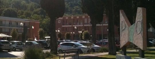 Piazza dei Mezzadri is one of Farmacie.
