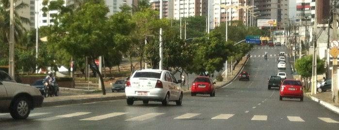 Avenida Engenheiro Santana Júnior is one of Caminho.