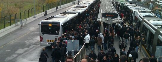 Avcılar Metrobüs Durağı is one of Metrobüs Durakları.