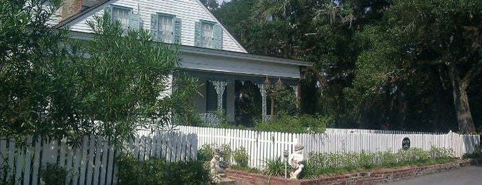 The Myrtles Plantation is one of Haunted to-do list.
