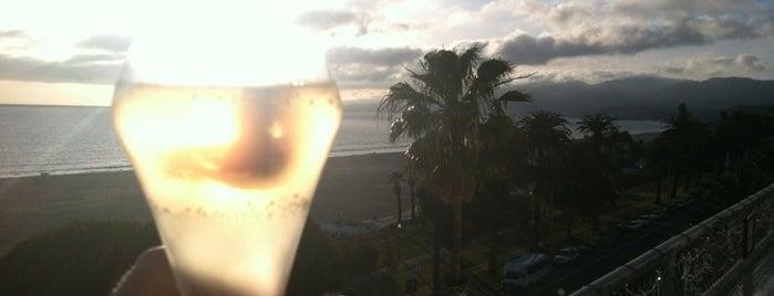 Hotel Shangri La Rooftop Bar is one of Best Los Angeles Pool Parties.