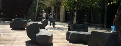 Antara Fashion Hall is one of Algunos lugares....
