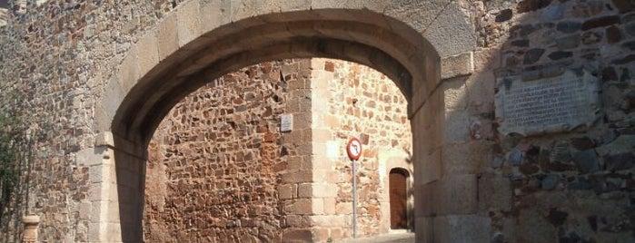 Arco De La Estrella is one of Descubriendo Cáceres.