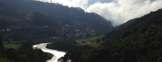 El Salto del Tequendama is one of Lugares en Colombia!!!! :D.