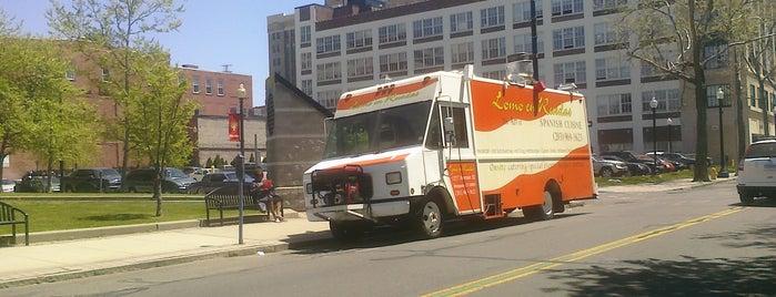 Lomo En Ruedas is one of Must-visit food in Bridgeport.