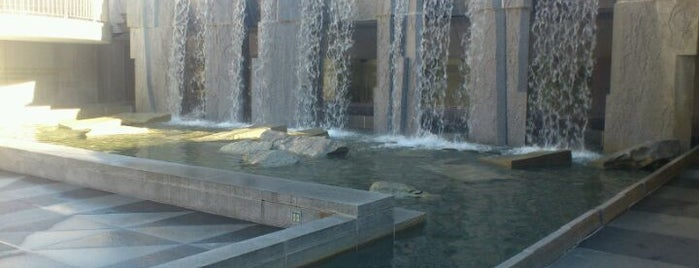 Yerba Buena Gardens is one of Great City By The Bay - San Francisco, CA #visitUS.