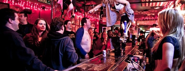 Coyote Ugly Saloon is one of *****Beta Clube*****.