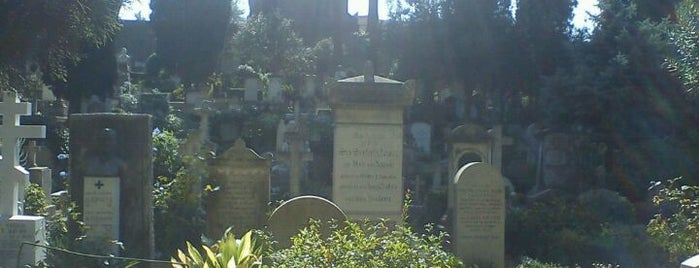 Cimitero Acattolico di Testaccio is one of La Dolce Vita - Roma #4sqcities.