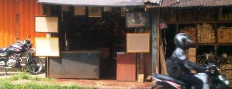 Galeri Bingkai is one of Must Visit in Kelapa Dua.