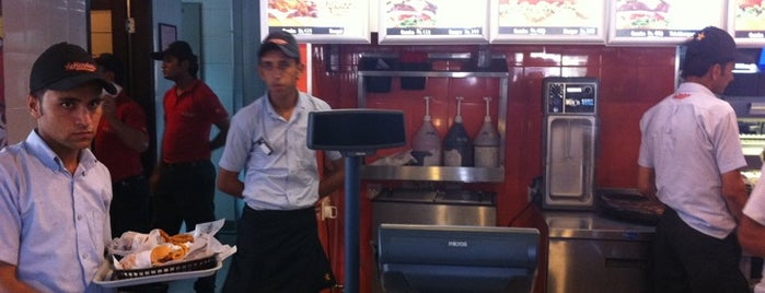 Hardee's is one of Top 10 favorites places in Islamabad, Pakistan.