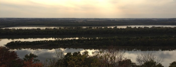 Pere Marquette State Park is one of Illinois: State and National Parks.