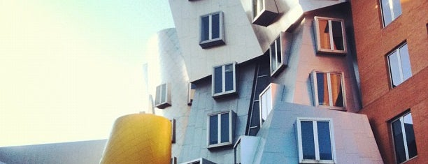 MIT Stata Center (Building 32) is one of Boston's Best Modern/Contemporary Architecture.