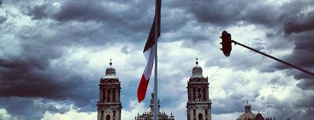 Plaza de la Constitución (Zócalo) is one of ¡Cui Cui ha estado aquí!.