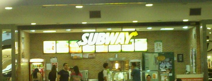 Subway is one of muito bom.;.