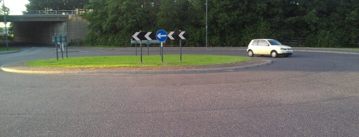 Loanfoot Roundabout is one of Named Roundabouts in Central Scotland.