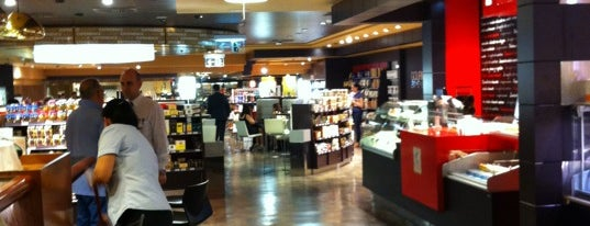 Gourmet Experience Castellana is one of DeTapasxMadrid.
