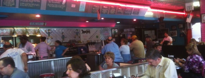 Mel's Diner is one of LAfayette.