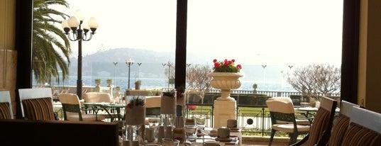 Çırağan Hotel Restaurant is one of SANDRO.