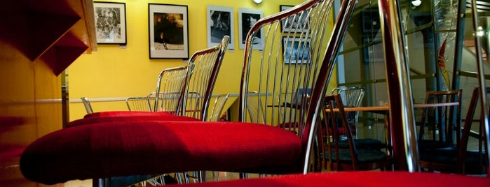 Galerie a kavárna pod Petrovem is one of Týden kávy 2012.