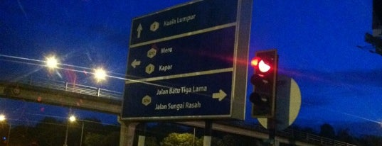 Bukit Raja Intersection is one of Highway & Common Road.