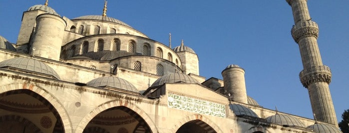Sultan Ahmet Camii is one of Istanbul City Guide.