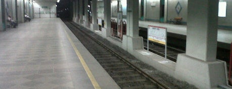 Emniyet - Fatih Metro İstasyonu is one of M1A / M1B - Metro İstasyonları.