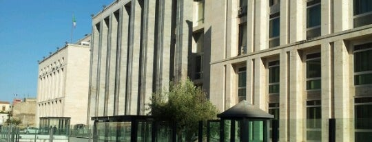 "Tribunale di Palermo is one of ""La mafia è una montagna di merda""."