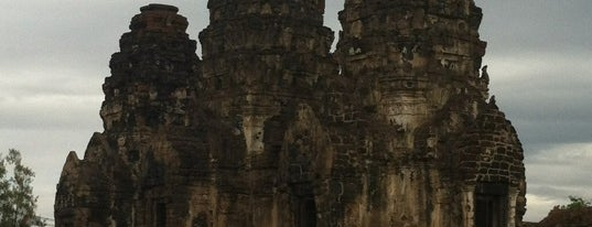 Phra Prang Sam Yot is one of Holy Places in Thailand that I've checked in!!.