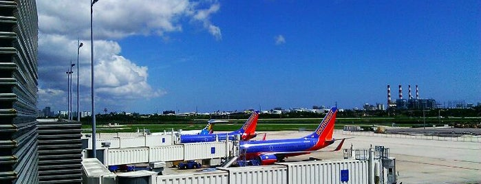 Aeropuerto Internacional de Fort Lauderdale-Hollywood (FLL) is one of Airports been to.