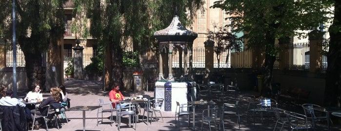 Cafeteria del Centre Cívic Can Deu is one of Mejores Terrazas en Barcelona.