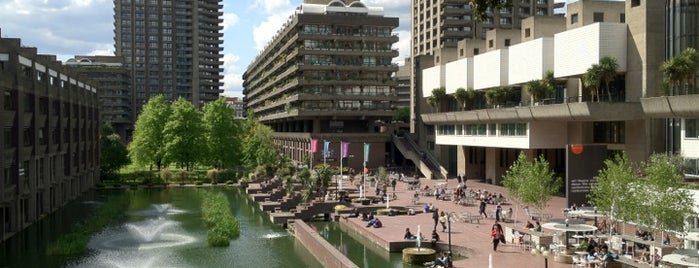 Barbican Centre is one of Hand Drawn Map of London.