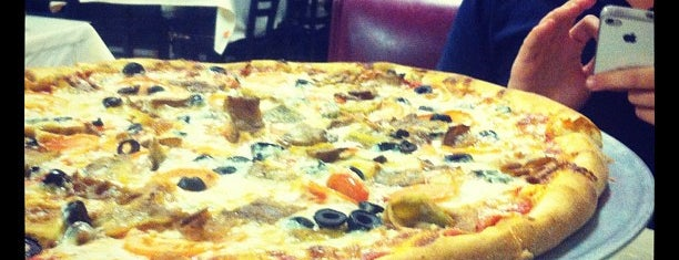 Lizzano's Pizza is one of Must-visit eateries in Euless area.