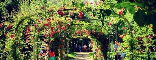 Jardins Albert Kahn is one of France.