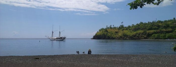 Pantai Amed (Amed Beach) is one of Bali Timur.