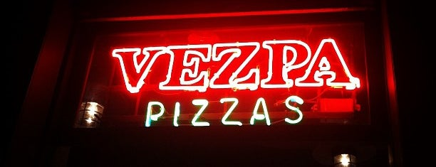 Vezpa Pizzas is one of Dicas.