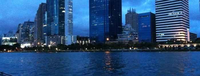 Benjakiti Park is one of Around Bangkok | ตะลอนทัวร์รอบกรุงฯ.