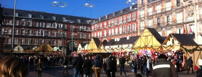 Plaza Mayor is one of Conoce Madrid.