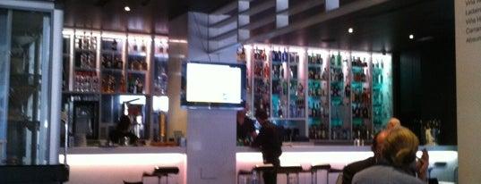 Room Lounge-bar is one of Donde Comer #Vigo Zona Centro/Puerto.