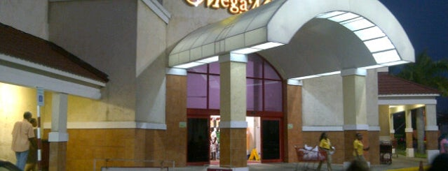 MegaMart is one of Empresas.