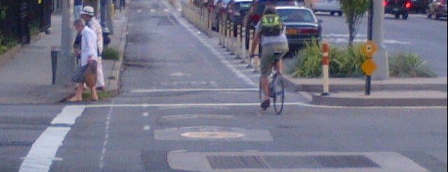 Columbus Avenue & Ninth Avenue Bike Lane is one of Mis lugares más queridos !.