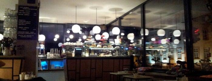 Café Blumen is one of Mainz♡Wiesbaden.