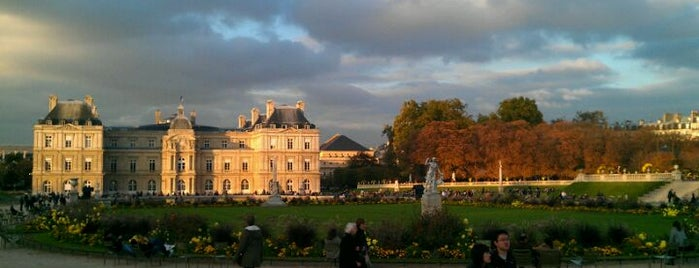 Luxembourg Garden is one of First Time in Paris?.
