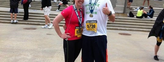 Soldier Field 10 Mile is one of running.