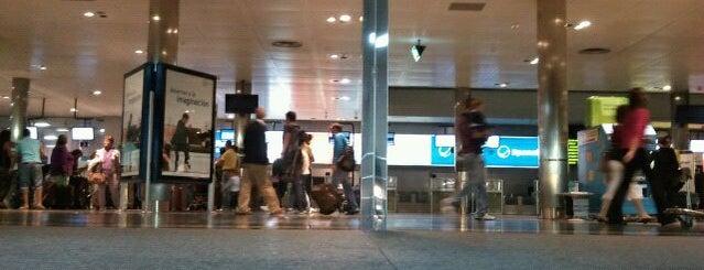 Aeropuerto de Santiago de Compostela (SCQ) is one of Airports in SPAIN.
