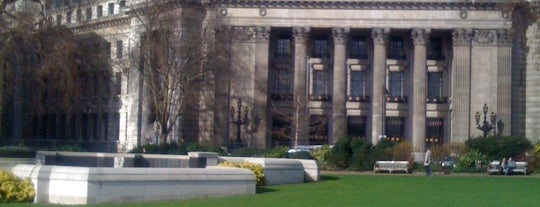 Trinity Square Gardens is one of Want to visit.