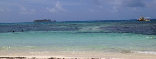 Playa del Centro is one of San Andres.
