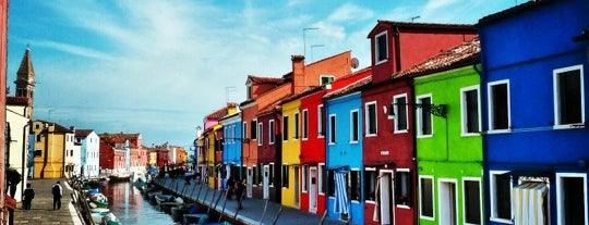 Isola di Burano is one of Venezia Essentials.