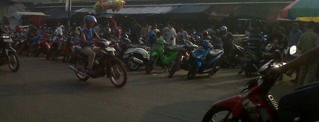 Pasar jombang is one of Places in Pamulang. Tangerang..