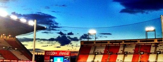 Estadio Vicente Calderón is one of swarm and super swarm.