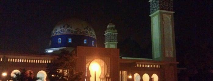 Masjid Al-Muhajirin is one of masjid.